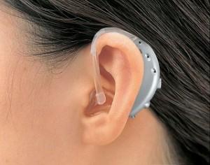 補聴器 耳かけ式