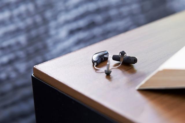 補聴器で補う
